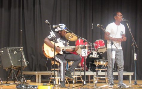 Bosoon Karimi and Abel Banko performing at Coffee House.