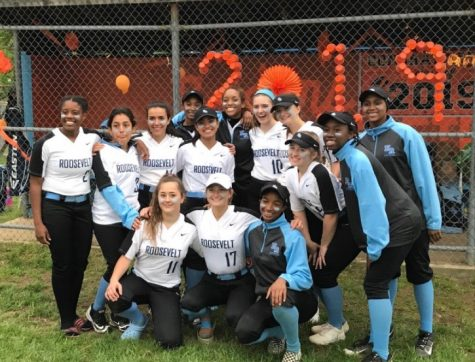 The 2019 ERHS Softball Team on last year