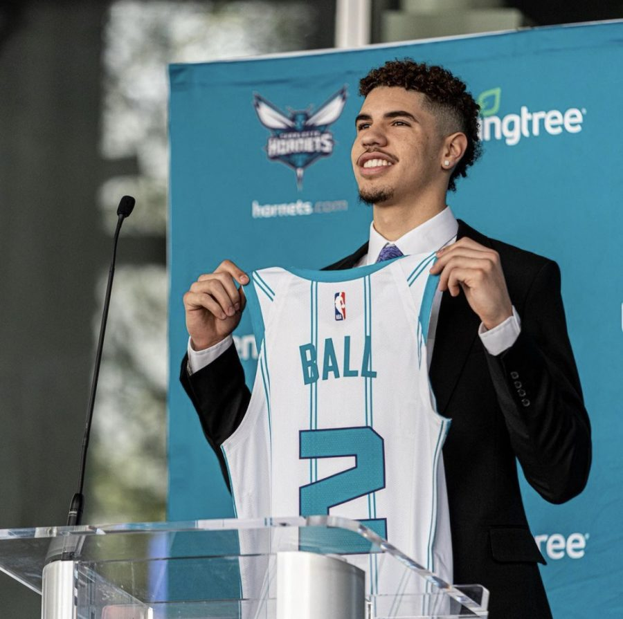 Lamelo+being+drafted+to+the+Charlotte+Hornets.