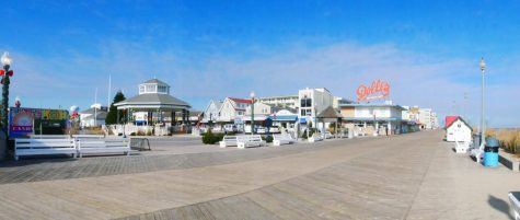 Rehoboth beach which is a popular spot for seniors to go to for senior beach week. Image courtesy of Upsplash.